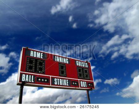Marcador de béisbol con el azul del cielo y las nubes