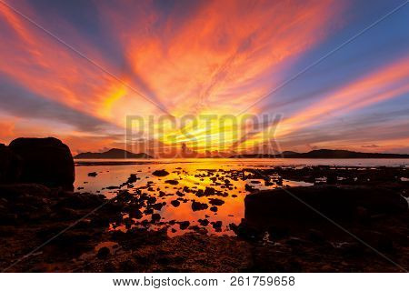 Beautiful Light Dramatic Sky Scenery Over Tropical Sea With Reflexion In The Water,beautiful Sunrise