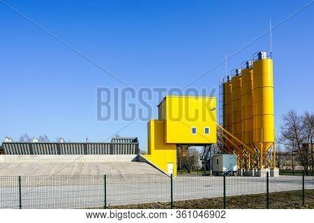 Ready New Modern Stationary Concrete Batching Plant