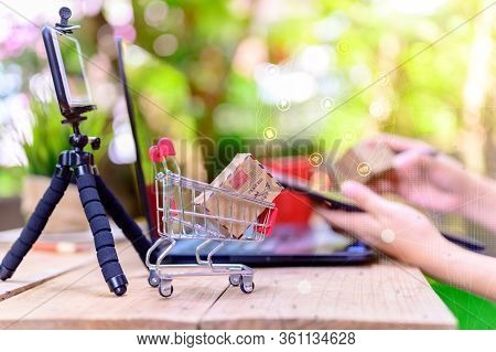 Wfh: Online Shopping For Startup Sme Business And Mail Delivery. Stay Home Stay Safe. Social Distanc