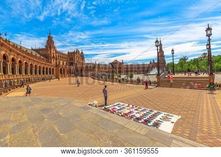 Seville, Andalusia, Spain - April 18, 2016: Street Vendor Of Typical Spanish Hand Fans In Plaza De E