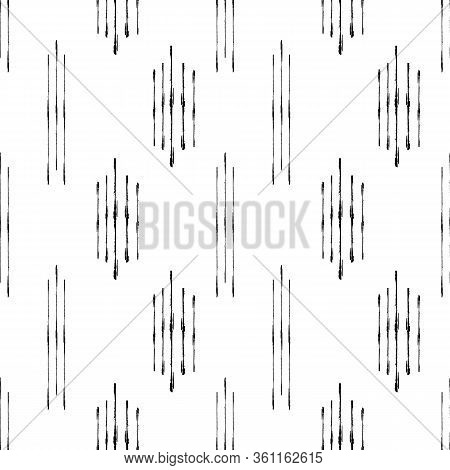 Abstract Kilim Style Vector Seamless Pattern Background. Grunge Brush Effect Geometric Black And Whi