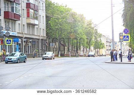 Gomel / Belarus - May 20, 2018 : People Walk Through City. Street Of Belarusian City Of Gomel. Passe