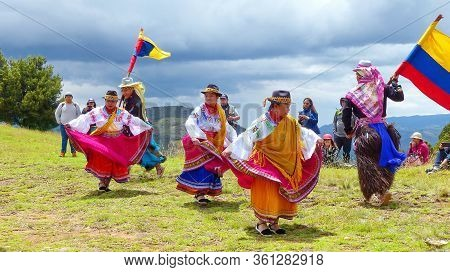 Cuenca, Ecuador-november 25, 2018:group Of Ecuadorian Dancers Dressed As Cayambe People Performance