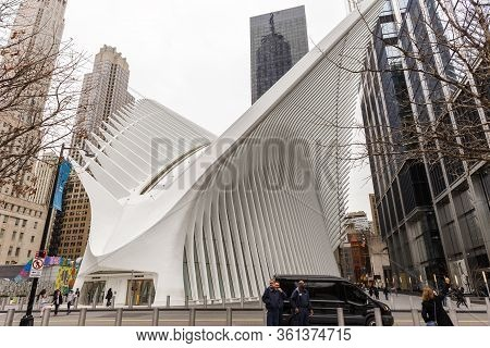 New York City, Usa - March 10, 2020: City Scape Street View Of The Oculus - World Trade Center Termi