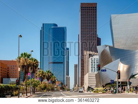 Los Angeles, Ca / Usa - July 26 2015: View Of South Grand Ave. With Towers On Both Sides. The Walt D