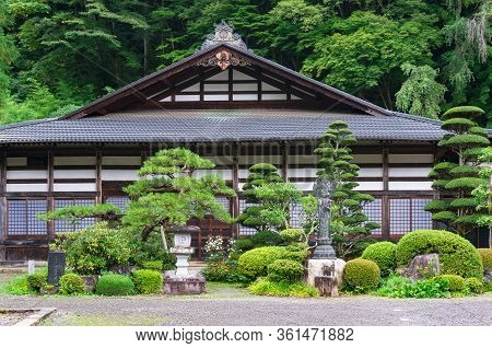Narai, Japan - September 2016: Hotel In Traditional Japanese Building With Beautiful Front Yard Gard
