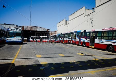 Buenos Aires, Argentina - January, 2020: Buses Of Route 5 On A Bus Stop In Front Of Retiro Mitre Rai