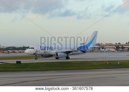 Fort Lauderdale, Fl, Usa - Jan. 4, 2015: Ecuador Tame Airline Airbus 320-200 At Fort Lauderdale - Ho