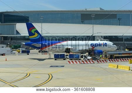 Philadelphia, Usa - May 31, 2013: Spirit Airlines Airbus A320 N617nk At Philadelphia International A