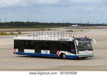 Cancun, Mexico - Jan. 23, 2020: Cobus Industries 3000 Airport Shuttle Bus In Cancun International Ai