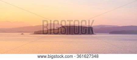 Isle Of Skye Sunrise - Skye, Or The Isle Of Skye Is The Largest And Northernmost Of The Major Island