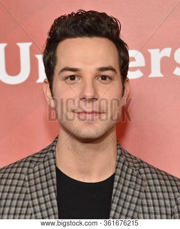 LOS ANGELES - JAN 11:  Skylar Astin on the red carpet at the NBCUniversal Winter TCA 2020 on January 11, 2020 in Pasadena, CA