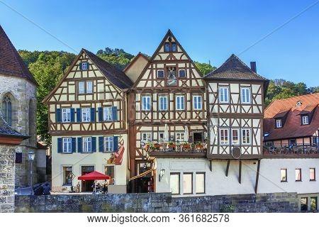 Half-timbered Houses Along Kocher River In Schwabisch Hall, Germania