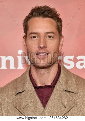 LOS ANGELES - JAN 11:  Justin Hartley on the red carpet at the NBCUniversal Winter TCA 2020 on January 11, 2020 in Pasadena, CA