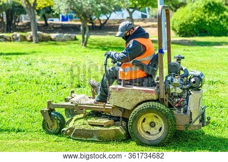 Faceless Man Wear Safety Masks As A Precaution During Outbreak The Coronavirus Covid 19 During Mows