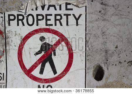 No trespassing background2
