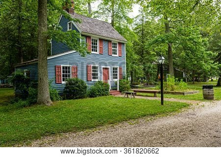 Cold Spring Village, Nj, Usa - June 18, 2019: This 2-story House With A Lean-to Attached To The Side