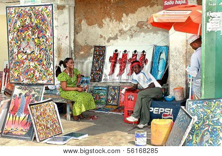 African Souvenirs, Art Shop Outdoors, Bright Paintings Sell, Dark-skinned Sellers.