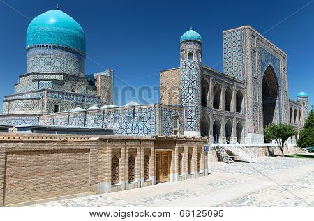 View Of Tilla-kari Medressa - Registan - Samarkand - Uzbekistan