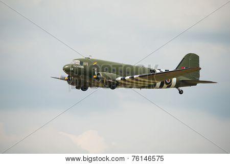 Veteran Douglas DC3 'Kwicherbichen'