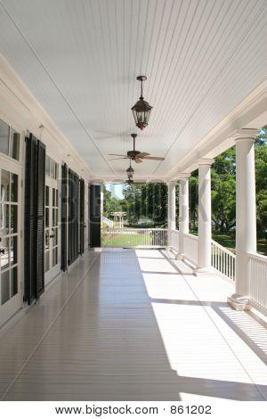 porch detail 3