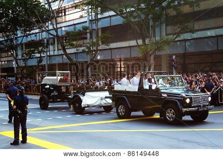 SINGAPORE - MARCH 24:Wooden casket carrying the body of the former prime minister of Singapore, Mr Lee Kuan Yew on gun carriage arrived at Parliament House for lying in state. Mar 24, 2015, Singapore