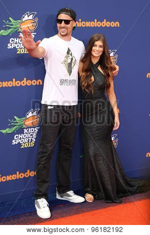 LOS ANGELES - JUL 16:  Klay Thompson, Hannah Stocking at the 2015 Kids' Choice Sports at the UCLA's Pauley Pavilion on July 16, 2015 in Westwood, CA