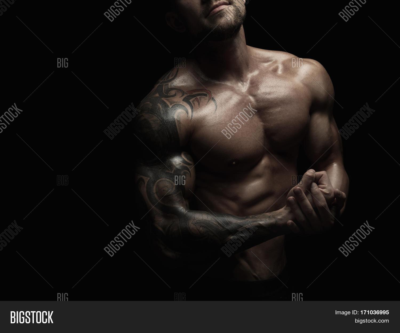 Black naked bodybuilding fill blank?