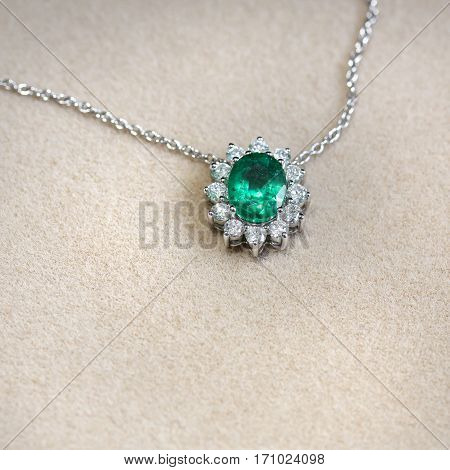 Pendant With Emerald And Diamonds