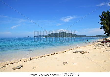 Beautiful Beach Scenery In Kota Kinabalu With Blue Sky And Sea.
