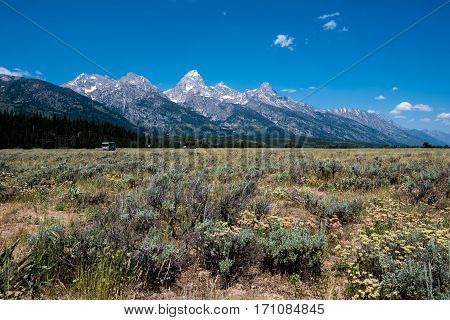 Image of the Grand Teton mountains in Wyoming, USA.