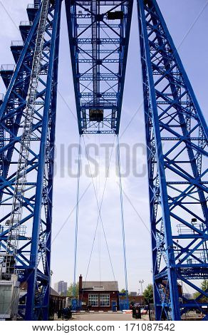 Transporter Bridge Transporter bridges carry people and vehicles in a gondola suspended below the main structure.