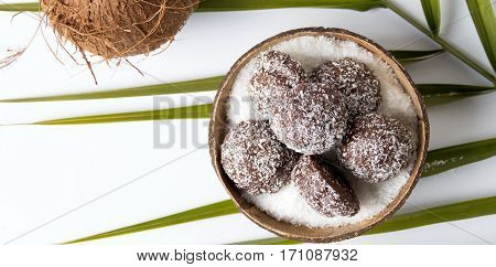 Coconut Spread Cookies In A Shell