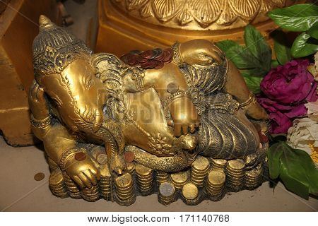 Pay Coins Ion Buddha Image In Buddhist Worship Way .
