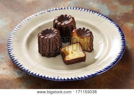 cannele de bordeaux, french traditional custard dessert