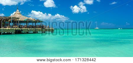 Palm beach at Aruba in the Caribbean Sea