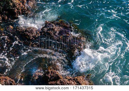 Beautiful Natural Rock Of Australian Beach. Amazing Blue Green Sea And Sunny Day.