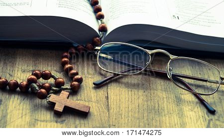 Bible book rosary cross points religion letter