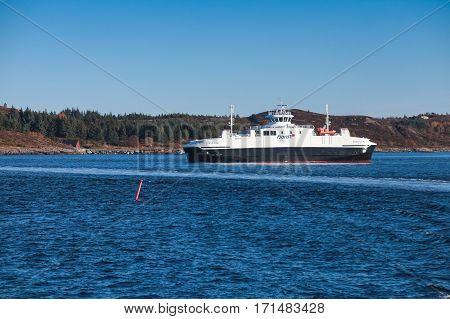 Ro-ro Ferry Edoyfjord By Fjord1 Operator