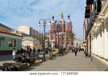 MOSCOW/ RUSSIA - MARCH 20. Pedestrian zone in the Klementovskiy lane near the St. Clement's Church on March 20, 2015 in Moscow, Russia.