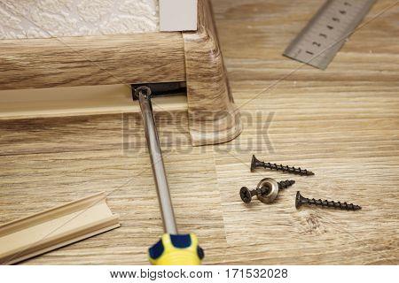 Installing Skirting Boards In Corner Of Room