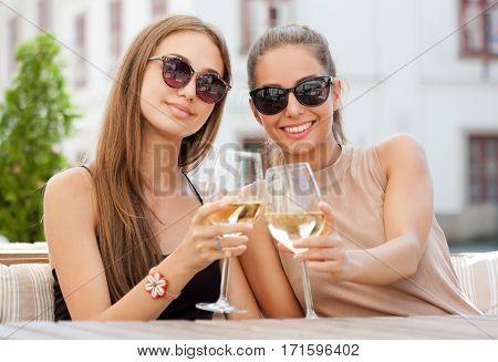 Wine Fun With Friends.