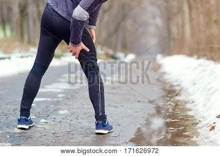 Injury while running in the winter spring autumn.