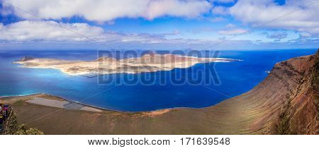 Lanzarorte - Impressive panorama from Mirador del Rio for Graziosa isalnd. canary islands