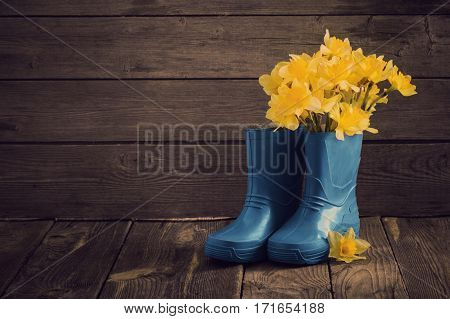 the child garden shoes with spring flowers