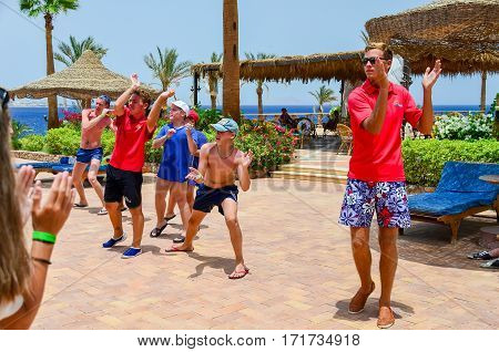 Egypt, Sharm El Sheikh - 08 June / 2015: Animators Entertain Visitors At The Music.