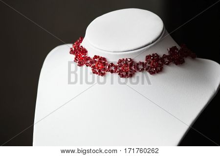 Choker Necklace In The Shape Of Flowers In Red