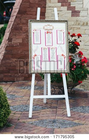 Stylish Table List Seating Plan For Wedding Reception