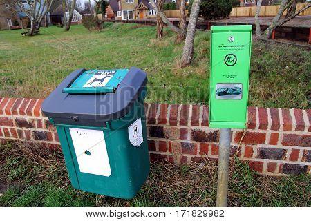 Bosham, Sussex, Uk - Feb 15Th 2017: Dog Waste Bin And Bag Dispenser Near A Public Park